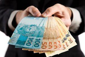 Projeto pune advogado que aceitar ser pago com dinheiro ilícito