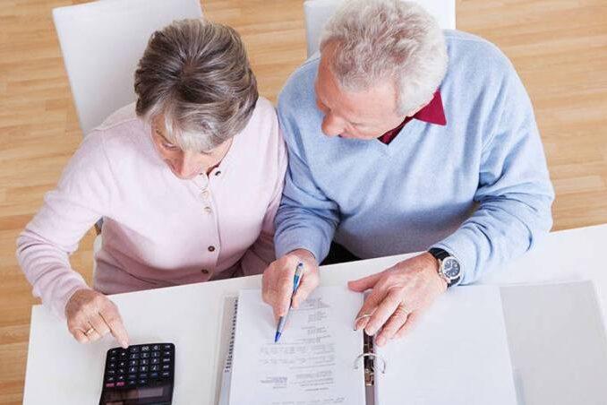 É necessário deixar o emprego para se aposentar?