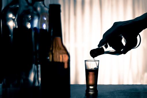 Read more about the article Pedidos de empregado vítima de discriminação por alcoolismo serão analisados